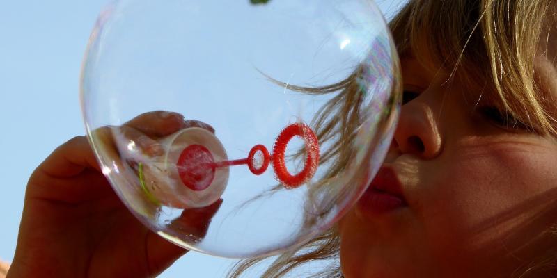 soap-bubbles-870342_1920